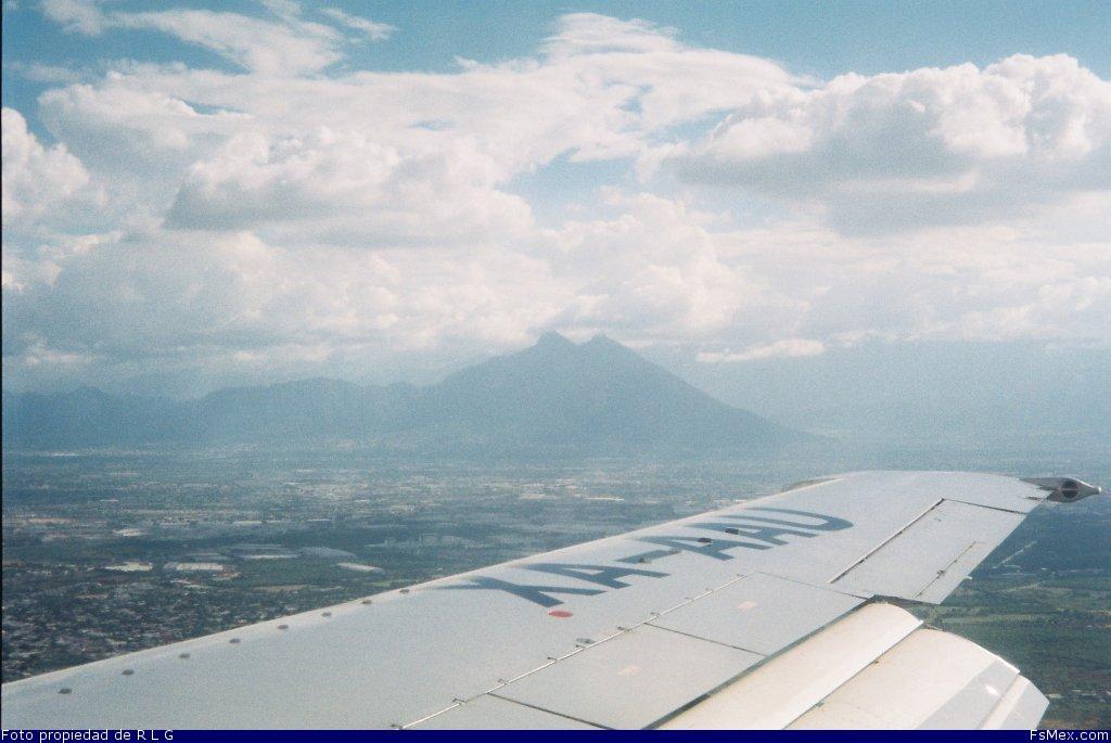 lineas aereas azteca com: