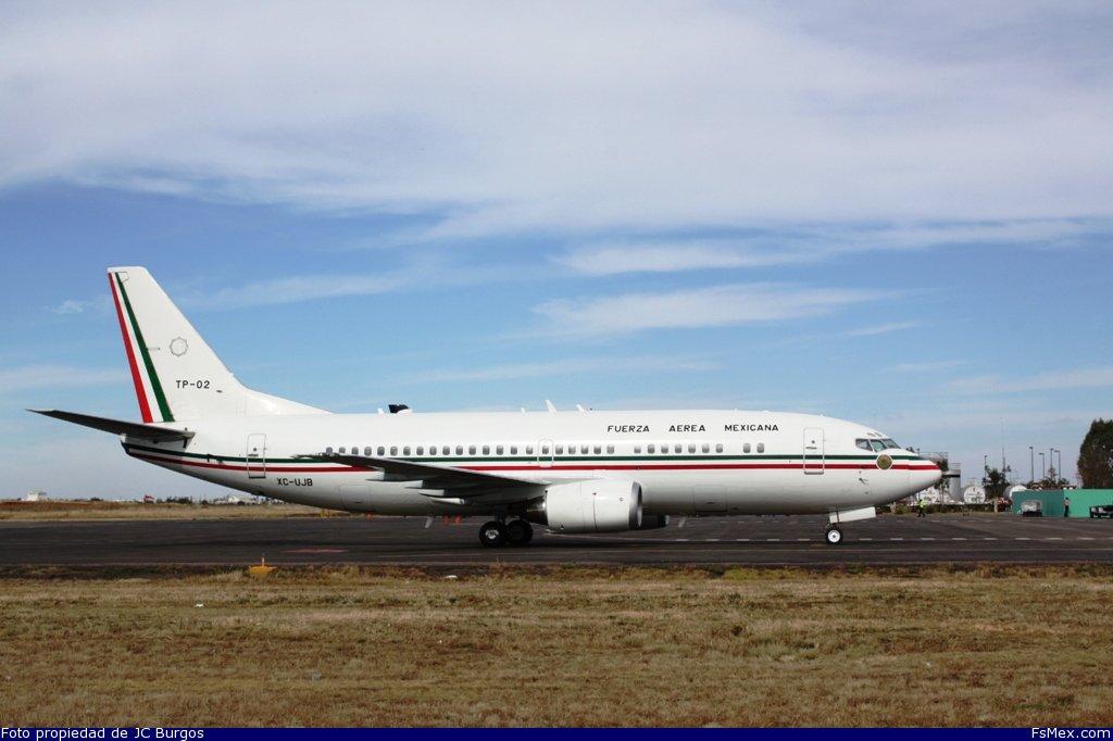TP-02 Sufre Averìa Con El Presidente Peña Nieto a bordo, en su destino a Panama. 3796